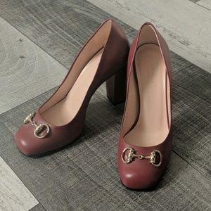 Authentic Gucci horsebit pumps in burgundy 36